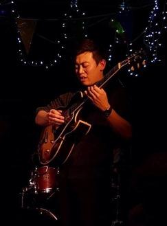 guitar-yule-sun-2